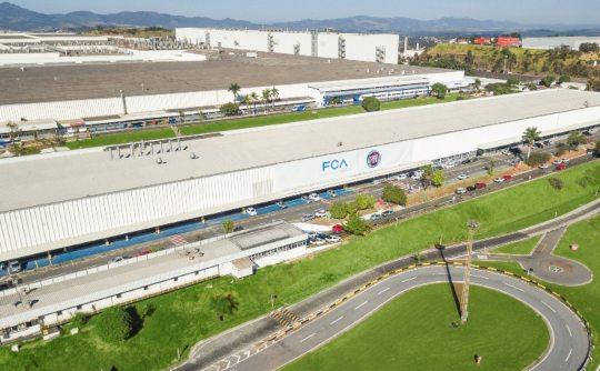 FCA e PSA Groupe realizam fusão objetivando ser o quarto maior fabricante mundial de veículos