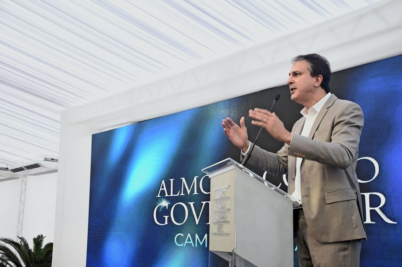 Camilo é um dos três governadores mais bem avaliados do Brasil