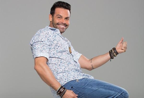 Fasano Salvador promove Luau sob o comando do cantor Alexandre Peixe