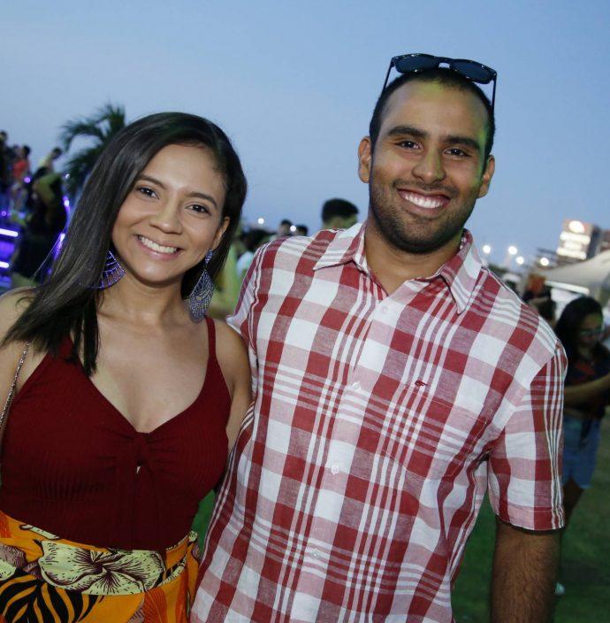 Gabriela Santos E Mauricio Nascimento