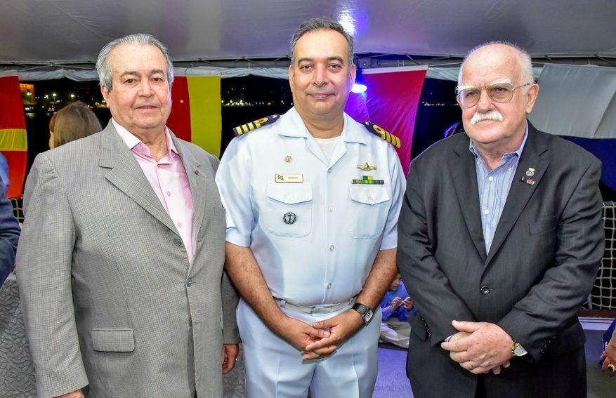 Terceiro Distrito Naval realiza a entrega da Medalha Amigo da Marinha