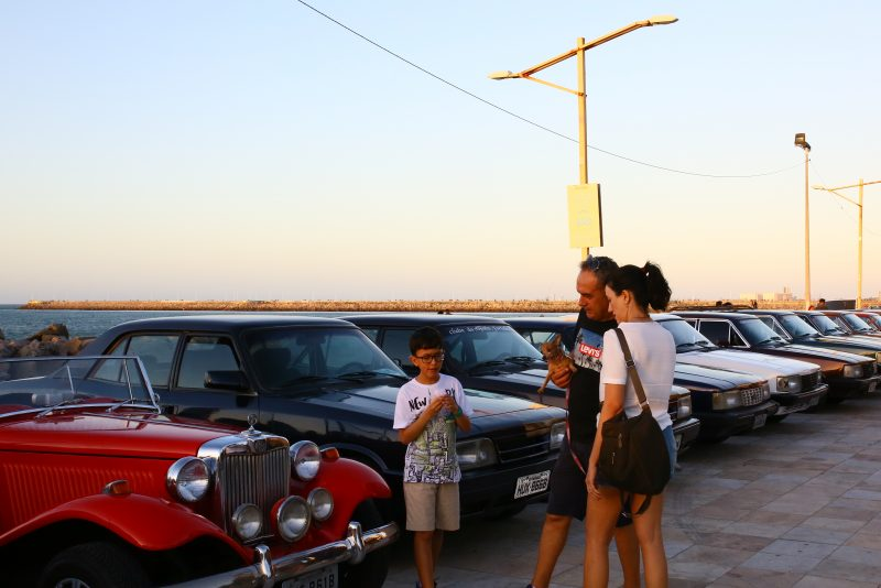 Os amantes das motos potentes e carros antigos têm encontro marcado na Praia de Iracema