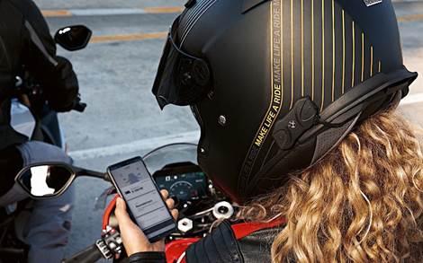 BMW Motorrad lança sistema de comunicação acoplado ao capacete