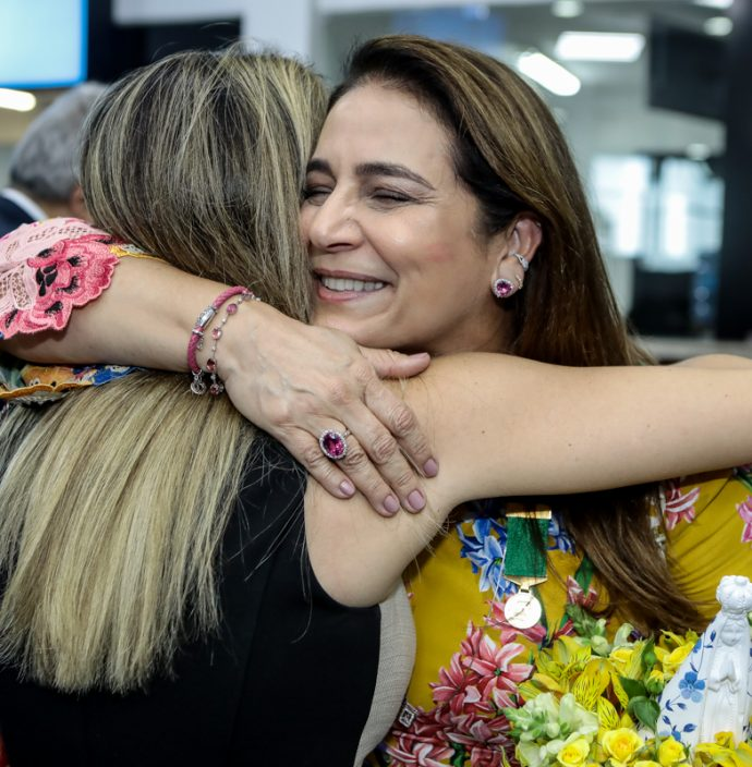 Isabella Barros Leal E Patricia Macedo