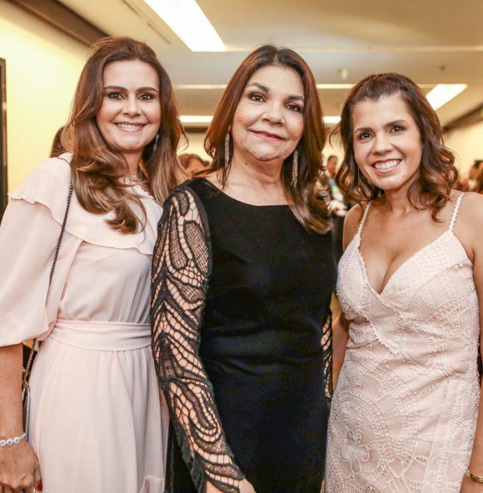 Ivana Bezerra, Celina Castro Alves E Claudia Diniz