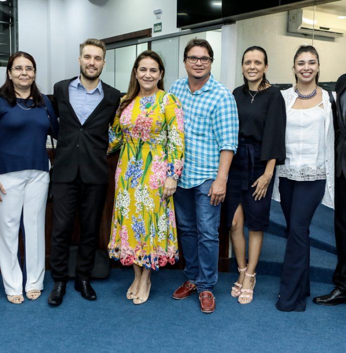 Joana Nogueira, Marjore Prachedes, Bennjamim Egot, Patricia Macedo, Celio Veras, Beatriz Barros, Emilia Terranova E Robson Vieira
