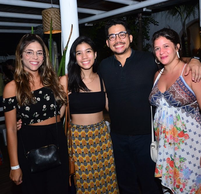 Larissa Mota, Mey Teixeira, Sean Teixeira, Bia Braide