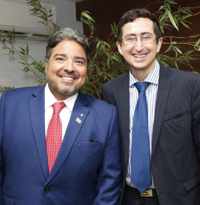 Leandro Vasquez E Roberto Victor