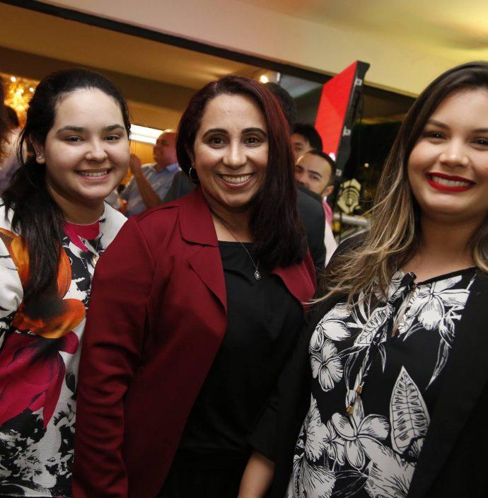 Leticia Trajano, Marcia Perode E Atena Soares