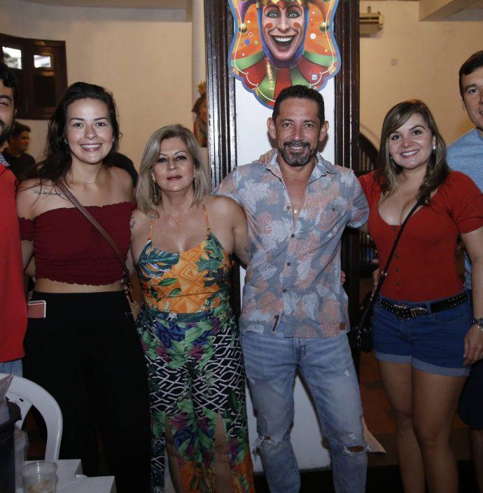 Lucas Sobral, Clara Soares, Carmen Leite, Jean Rabelo, Camila Vale E Nicola Papaleo