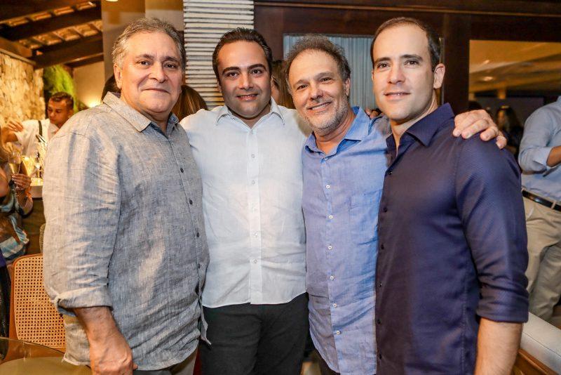 Jeff Pereira e DJ Ney comandam a animação do aniversário de José Carlos Pontes