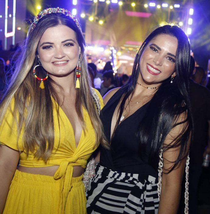 Maila Marinho E Luana Castro