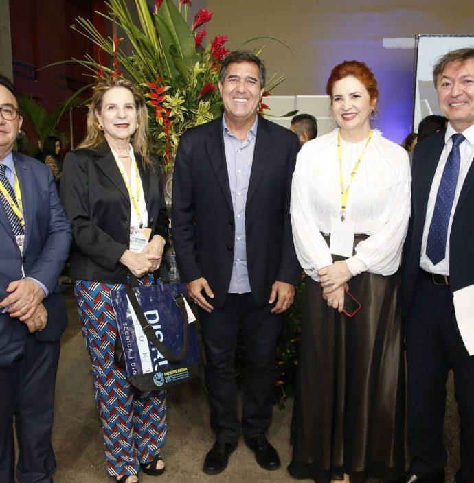 Manuel Linhares, Anya Ribeiro, Luiz Gastao, Enid Camara E Mauricio Filizola