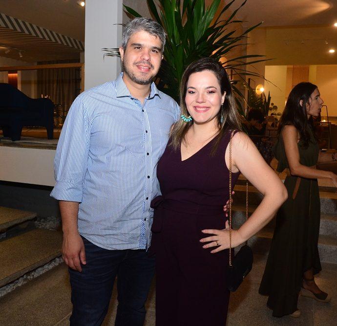 Mateus Freitas E Stephanie Cesarano