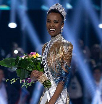 Sul-africana Zozibini Tunzi é coroada Miss Universo 2019