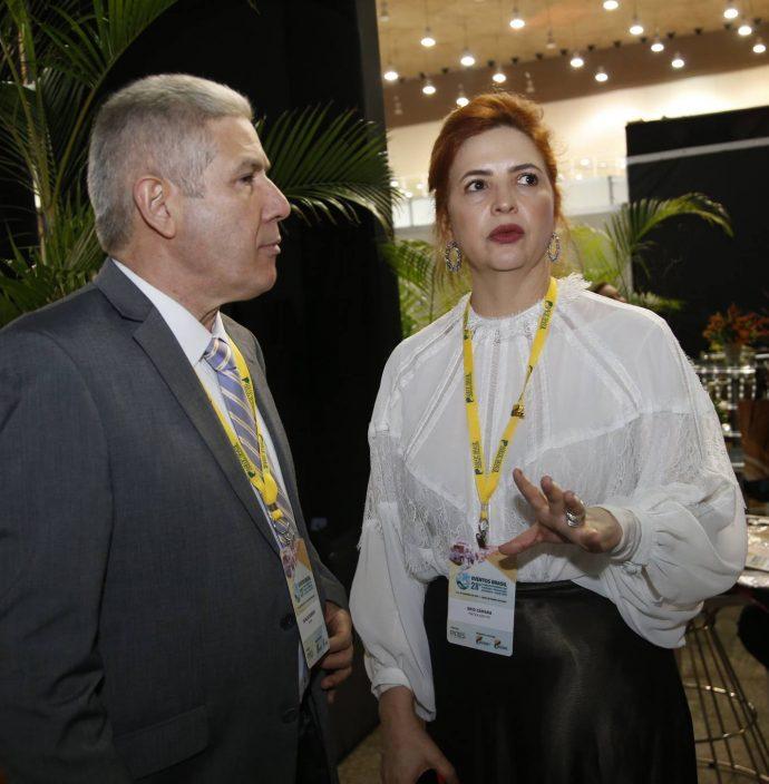 Osvaldo Barbosa E Enid Camara