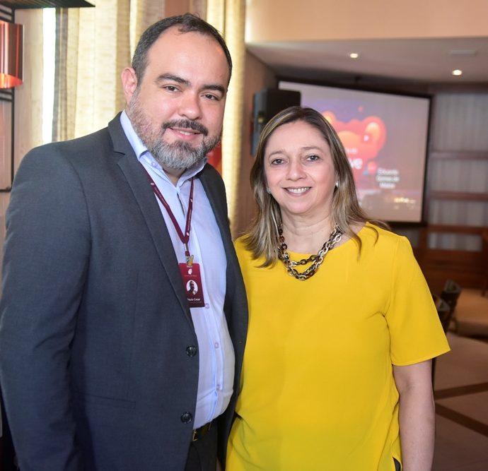 Paulo César Magalhães E Patricia Moreira