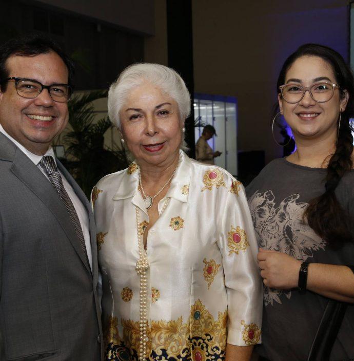 Rafael Bezerra, Alodia Guimaraes E Jessica Vieira