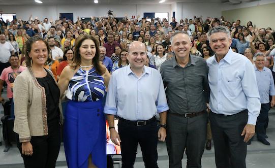 Roberto Cláudio anuncia aporte de R$ 41 milhões na Educação