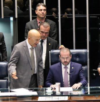 Prisco Bezerra destaca nível da educação no Ceará durante a sua estreia na tribuna do Senado