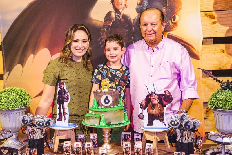 É HORA, É HORA, É HORA! - Com muita diversão, Silvinha e Rafael Leal festejam os seis anos do herdeiro Sylvio Leal