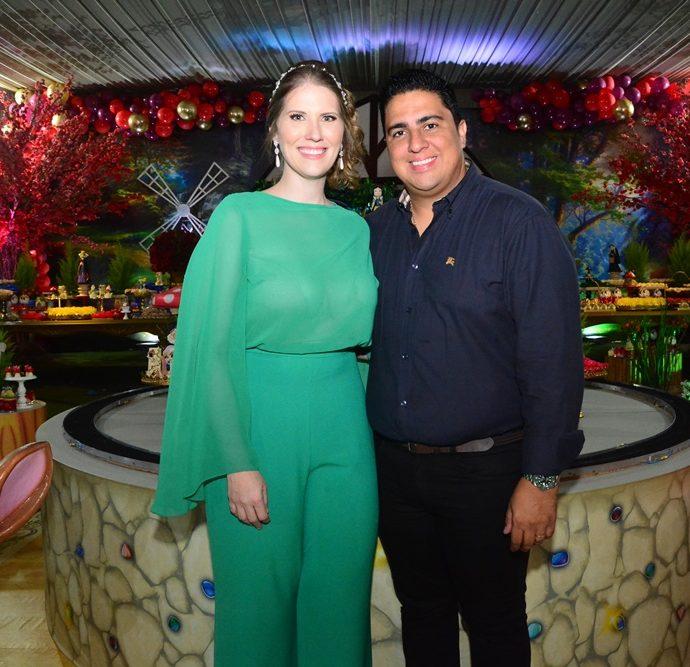 Suyanne E Adriano Romero