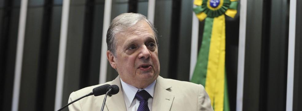 Tasso apresenta voto de louvor pelo centenário de nascimento de Virgílio Távora