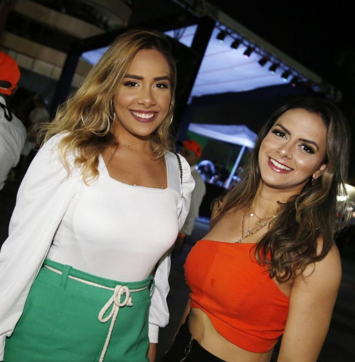 Thais Araujo E Amanda Teixeira