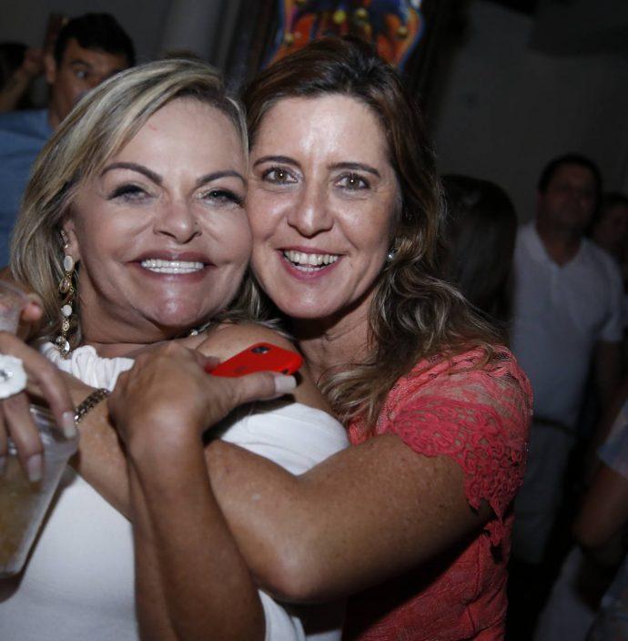 Thea Moreira E Ana Claudia Rego