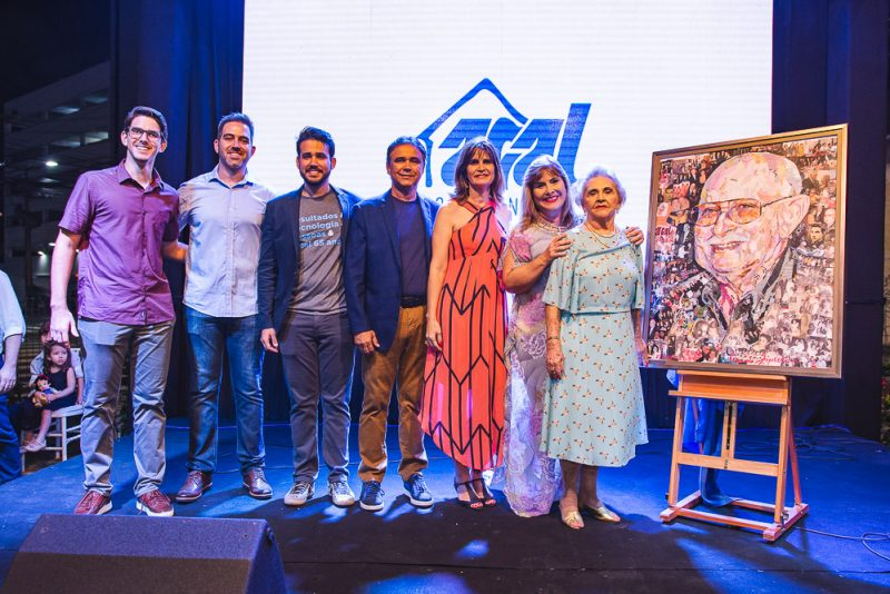 Tiago Cabral, Leon Cabral, Cabral Neto, Gilberto Costa, Daniela Cabral, Ritelza Cabral E Marlene Cabral