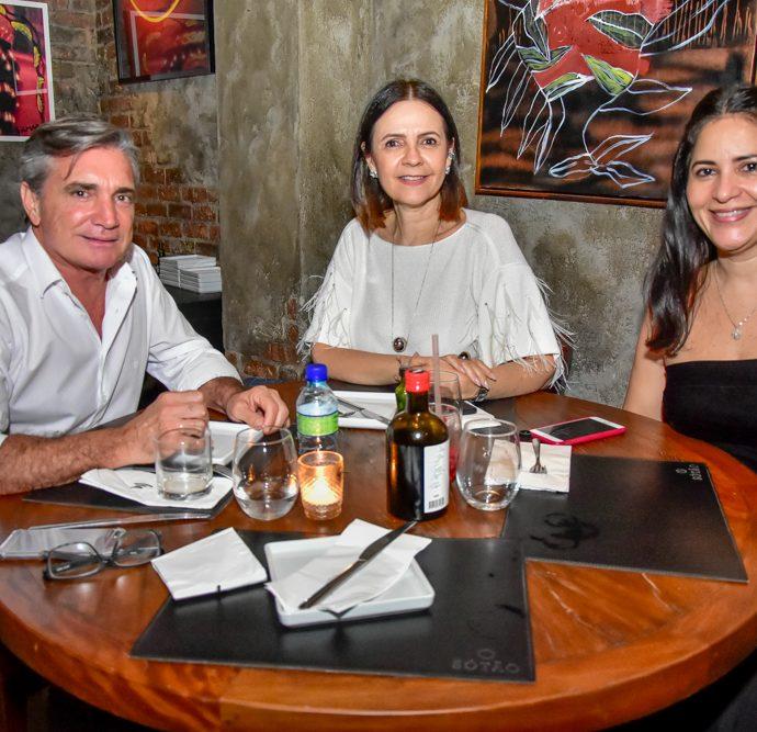 Vitor Sabela, Mirian Pereira E Cinara Rodrigues