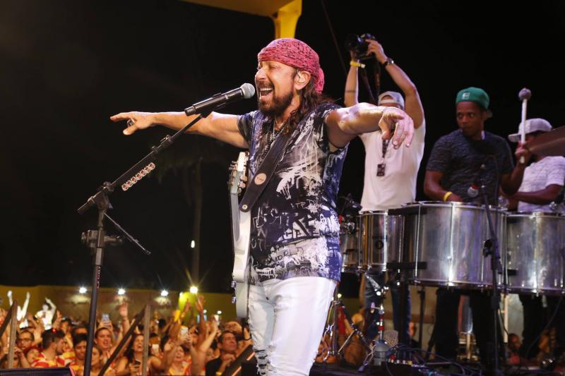 Atrações nacionais embalam o pré-Carnaval em Fortaleza