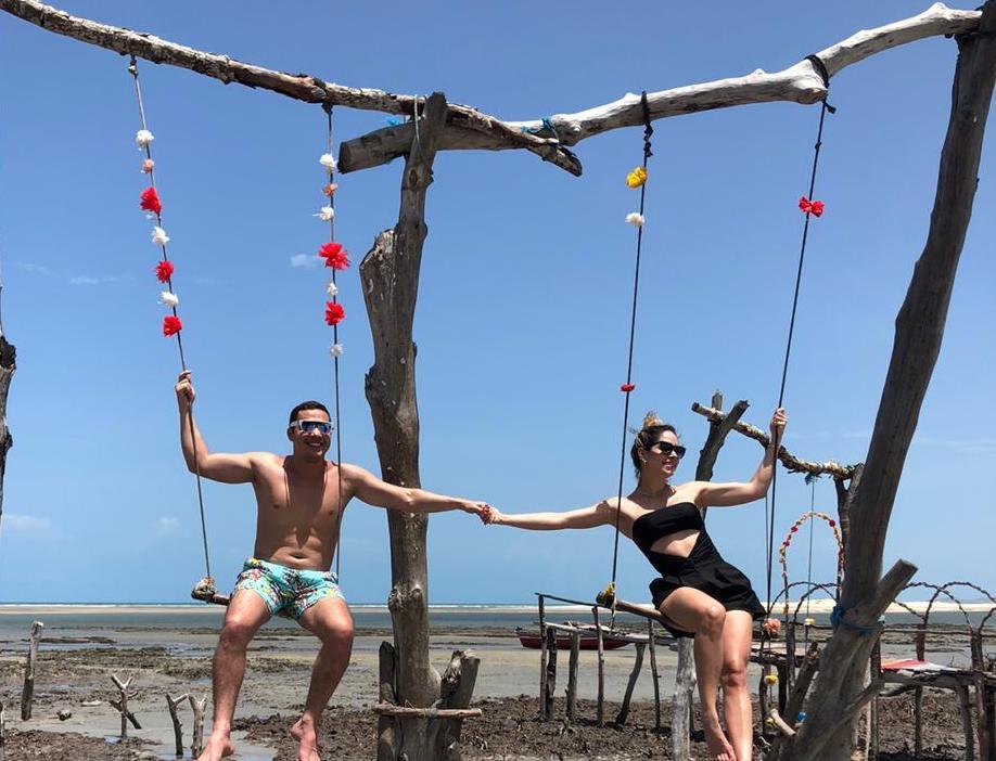 Wesley Safadão e Thyane Dantas recarregam as energias na Pousada Vila Kalango, em Jeri