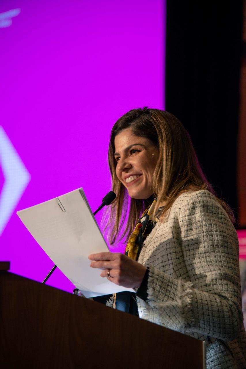 Carol Bezerra discursa na cerimônia de entrega do Prêmio Transporte Sustentável 2020