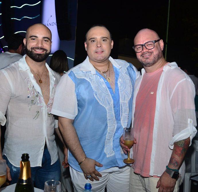 Alan Robson, Júlio Macêdo, Romoaldo Cassiano