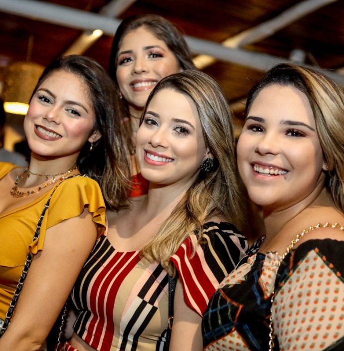 Ana Paula Sampaio, Isadora Maria, Taina Brilhante E Amanda Solto