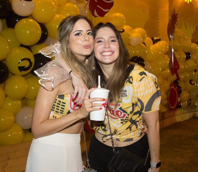 Bia E Marcela Teixeira