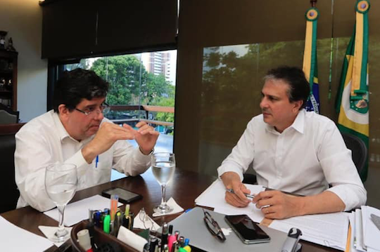 Camilo Santana e Dr. Cabeto discutem o planejamento das ações em saúde no Estado