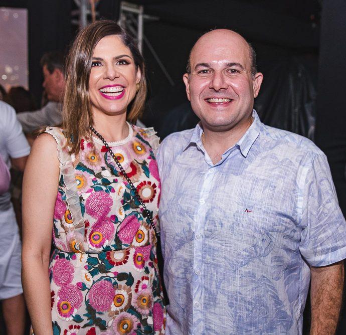 Carol Bezerra E Roberto Claudio