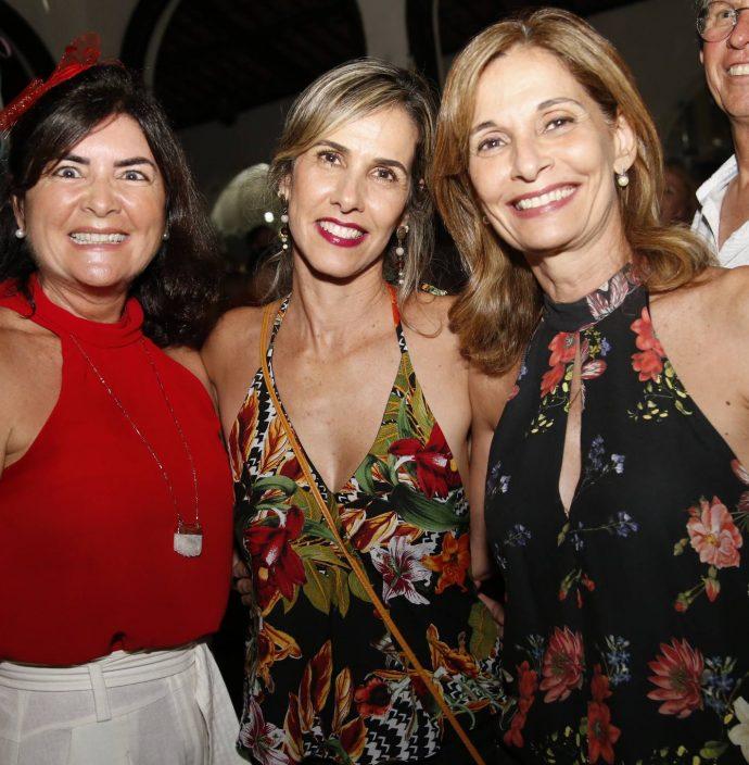 Dominique Gomes, Liane E Monica Navarro