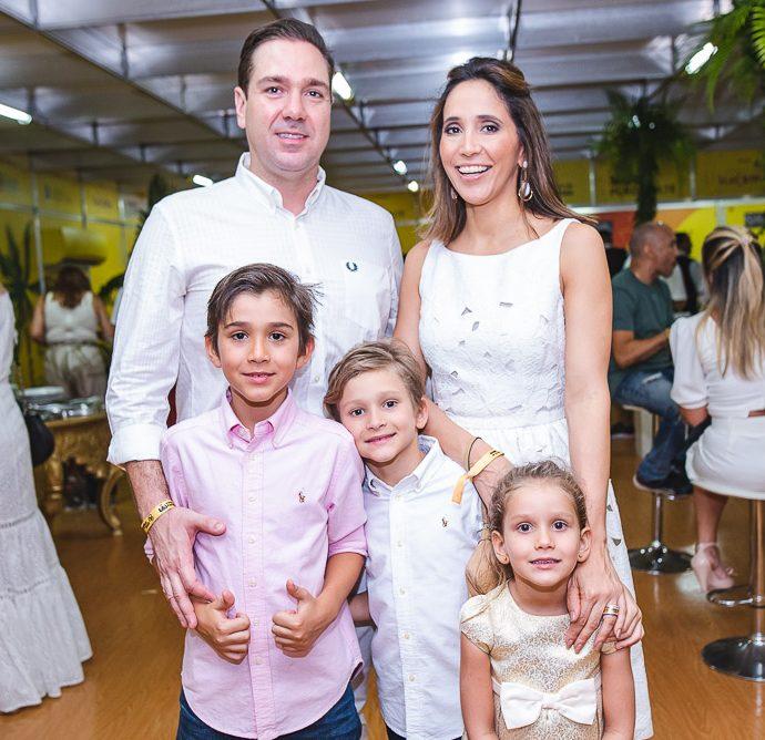 Eduardo, Pedro, Joao, Maria E Nadia Bismarck