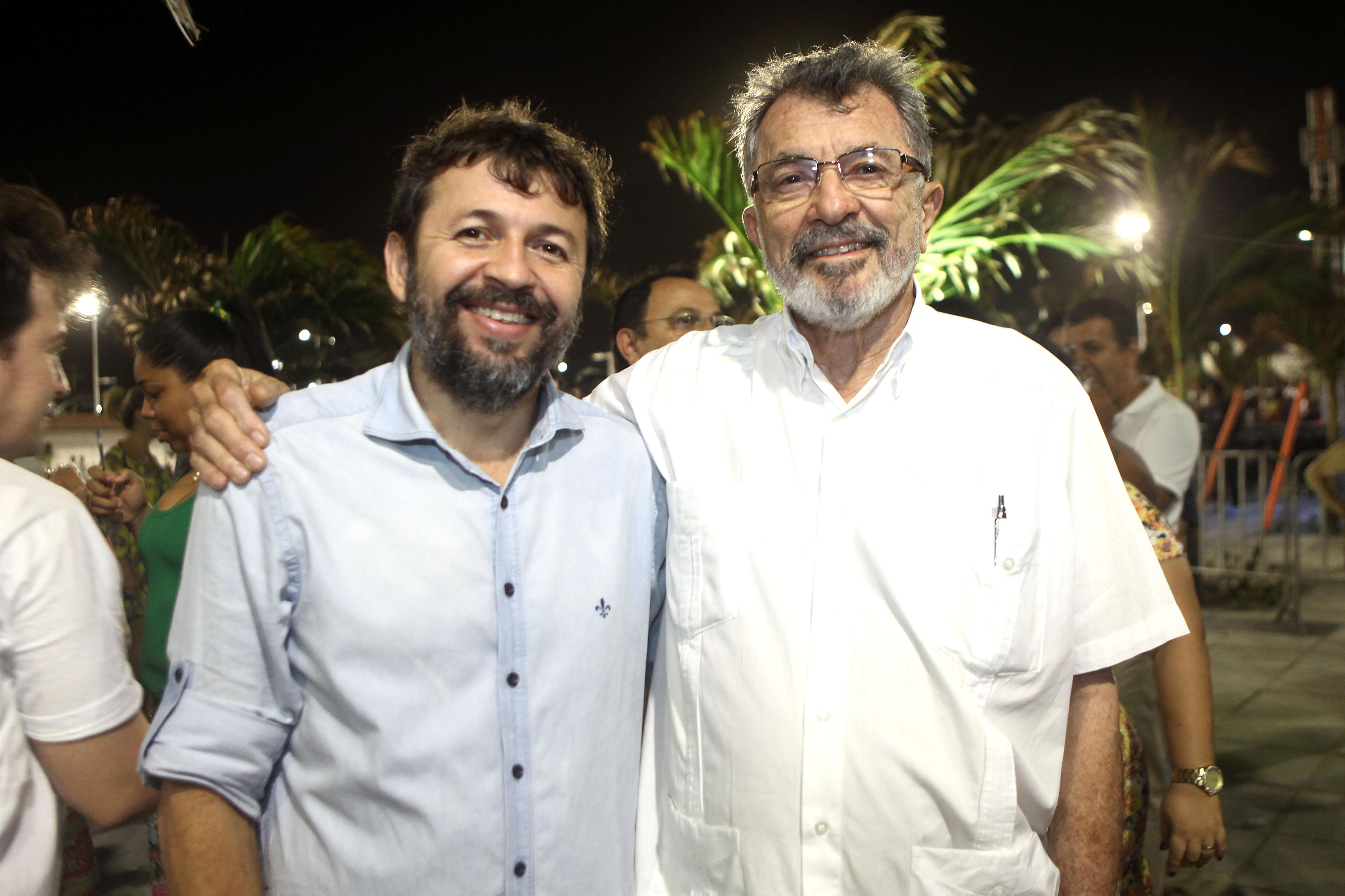 Hoje é dia de abraçar Élcio Batista, o sociólogo que quer ser político!