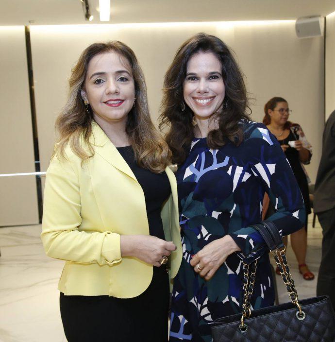 Eveline Teixeira E Mirella Tomas