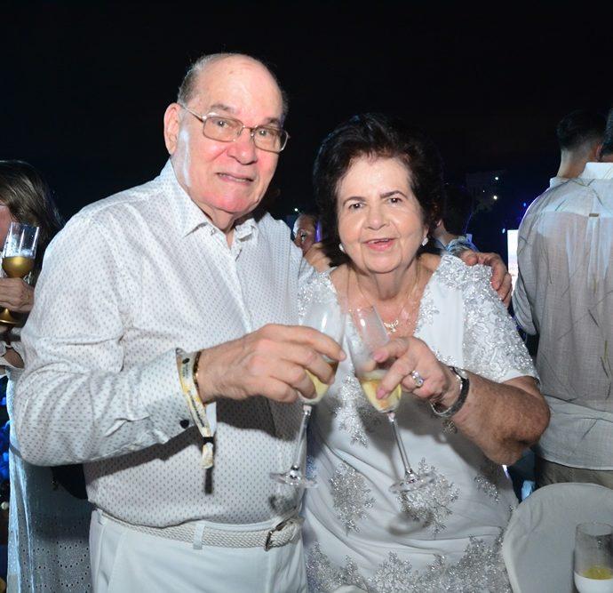 Gil e Elisa Bezerra