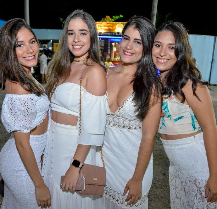 Gracyelle Andrade, Maria Rita e Joyce Oliveira E Isadora Moraes