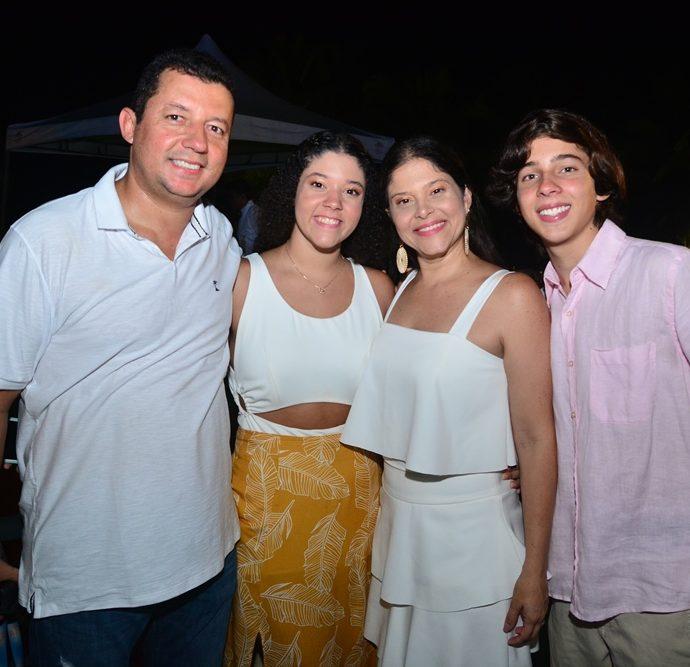 Henrique, Nina, Tani e Pedro Falrbanks