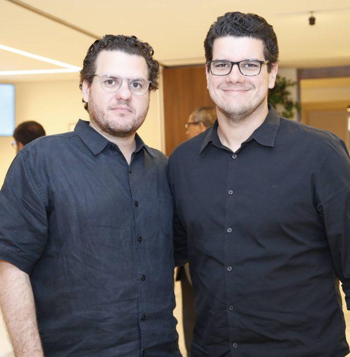 Humberto E Roberto Fontenele