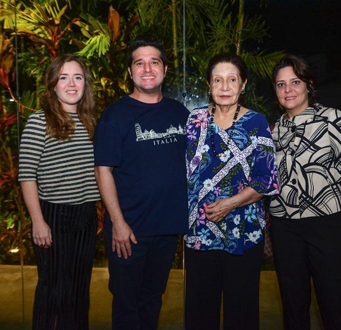 Isabella Rebouças, Pedro Gurjão, Dulcina E Rosa Palhano