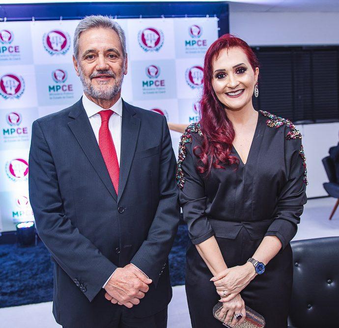 Ivonei Esfogia e Janaina Carneiro
