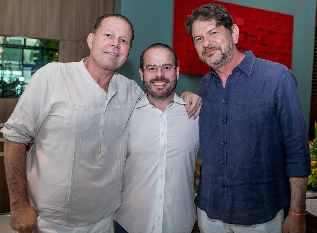 Cid Gomes é a figura central do jantar pilotado por Niedja e Prisco Bezerra